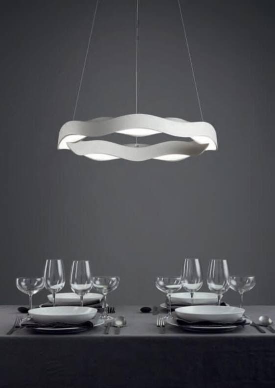 Lámpara hello grok sobre mesa