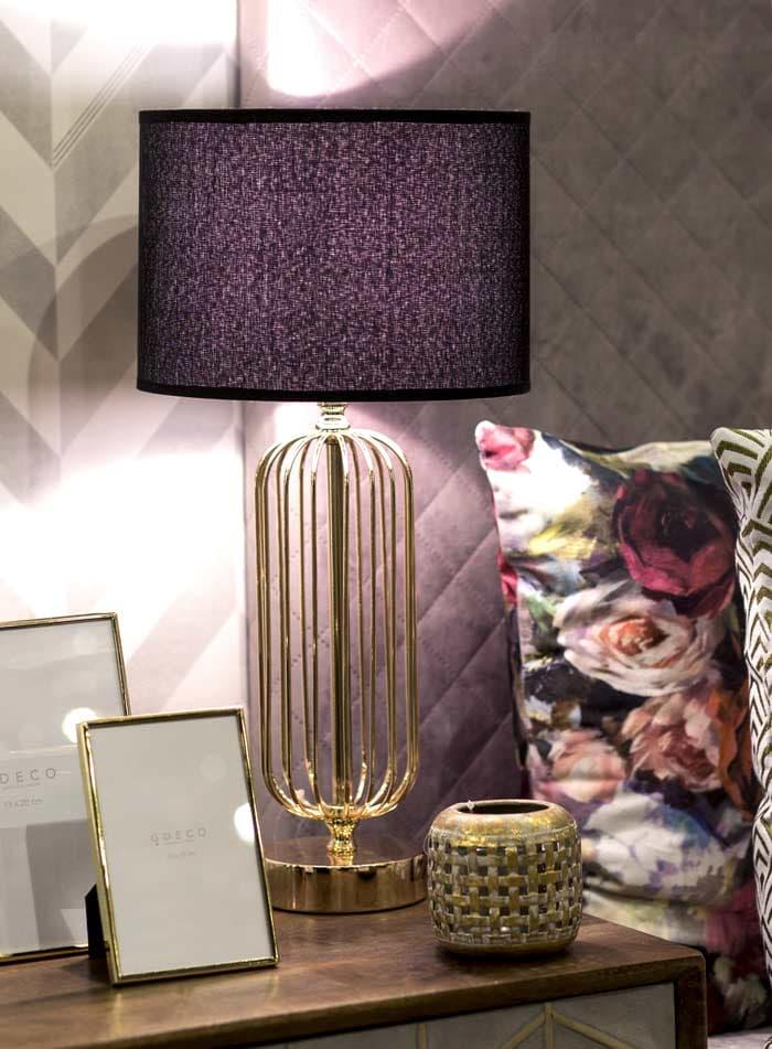Lámpara de mesa Art deco dorada con pantalla negra
