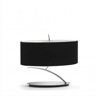 Lámpara de mesa corta cromada con pantalla negra eve mantra